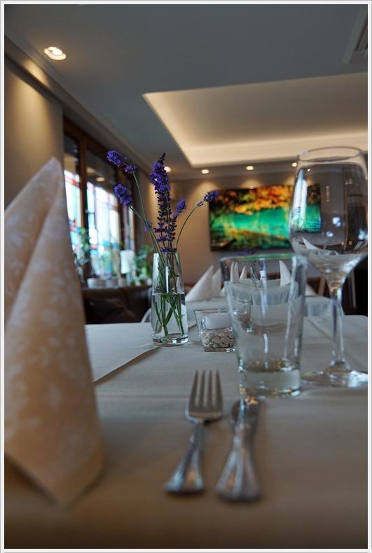 Reservieren Sie ganz einfach einen Tisch für ihr Fest, die Gesellschaft, Geburtstag, Muttertag,Pfingsten oder zu Weihnachten.